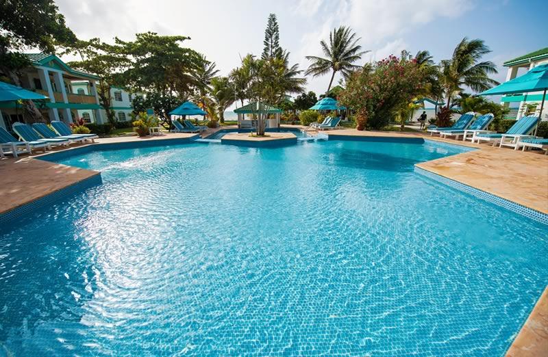 Banyan Bay Pool