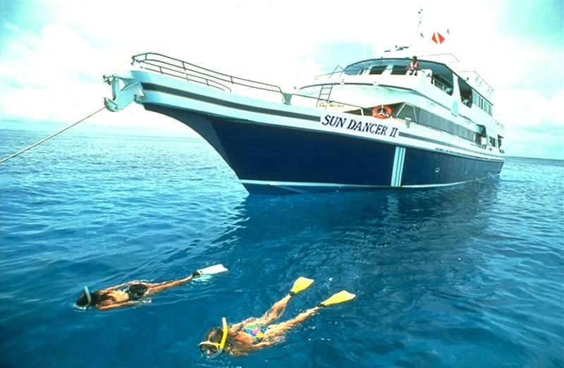 Belize Liveaboard Diving